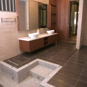 Nouri Glass Villa Airbnb Bathroom with Jacuzzi 2